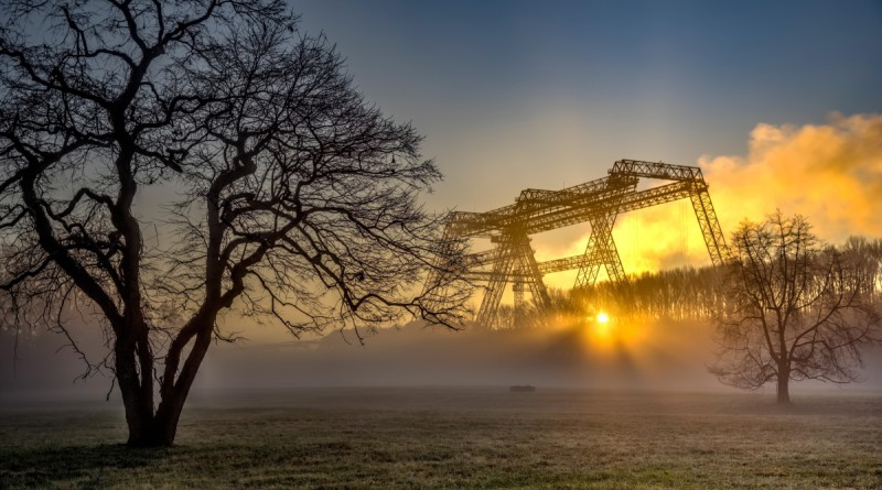Woodell, Glenn- sunrise under the gantry