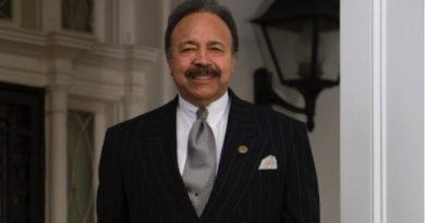 Dr. Harvey Receives John Hope Franklin Award