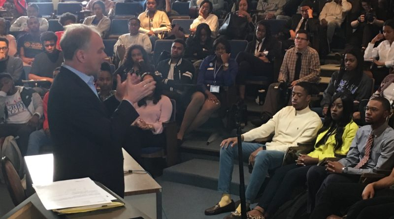 Sen. Kaine Visits Hampton University Ahead of 150th Anniversary Gala