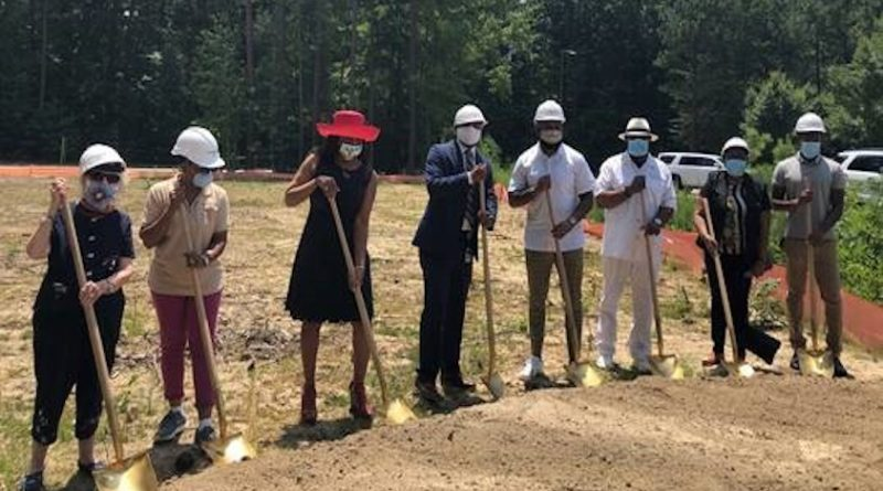 City Breaks Ground on New Outdoor Basketball Court Donated by Antoine Bethea